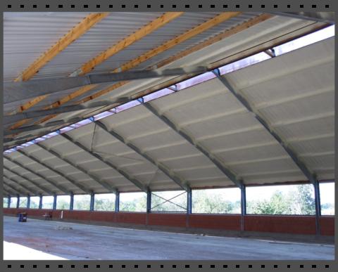 Isolierung einer neu gebauten Halle für die Geflügelhaltung