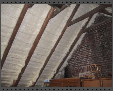 Dachboden dämmen mit Polyurethan-Sprühschaum